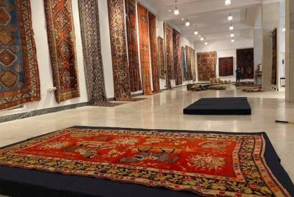 Armenians to hold exhibition of carpets stolen from Azerbaijan's Shusha, UNESCO is silent